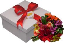 presentes e cestas com flores