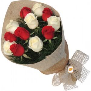 Bouquet rosas Brancas e vermelhas